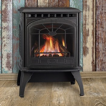 Quadra-Fire Garnet small freestanding gas stove. Shown with Quartet front in classic black and standard safety screen.